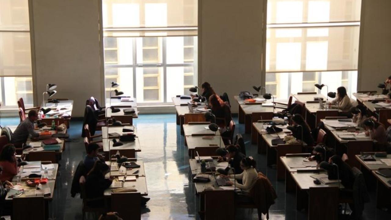 Sala de estudo da Biblioteca Geral da UC