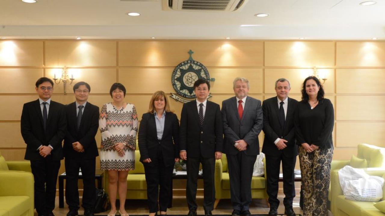 Delegação da UC em visita a Macau