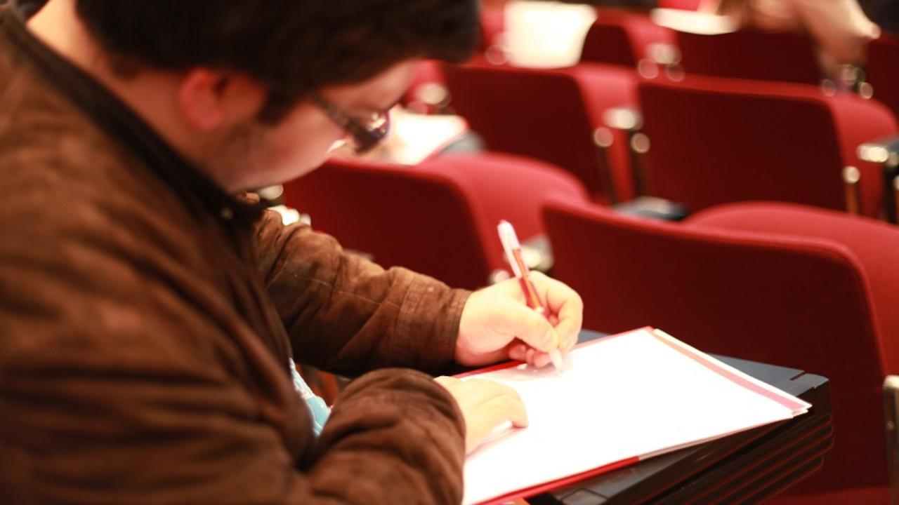 Estudantes em Exames