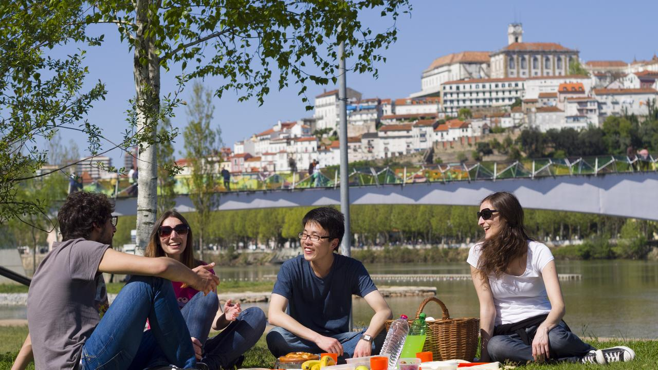 Students in Coimbra Green Park